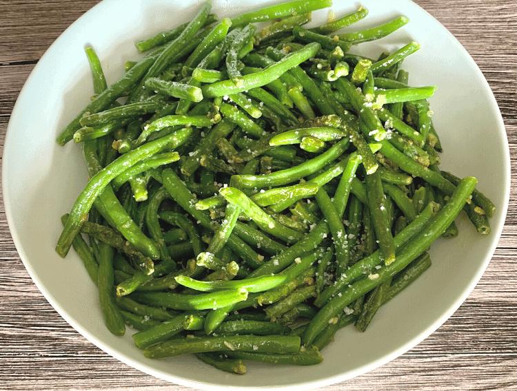 creamy garlic green beans recipe
