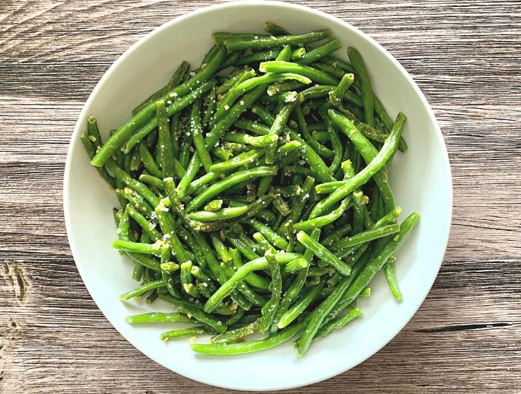 low carb garlic green beans recipe top view