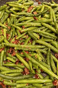 garlic bacon green beans keto side dish