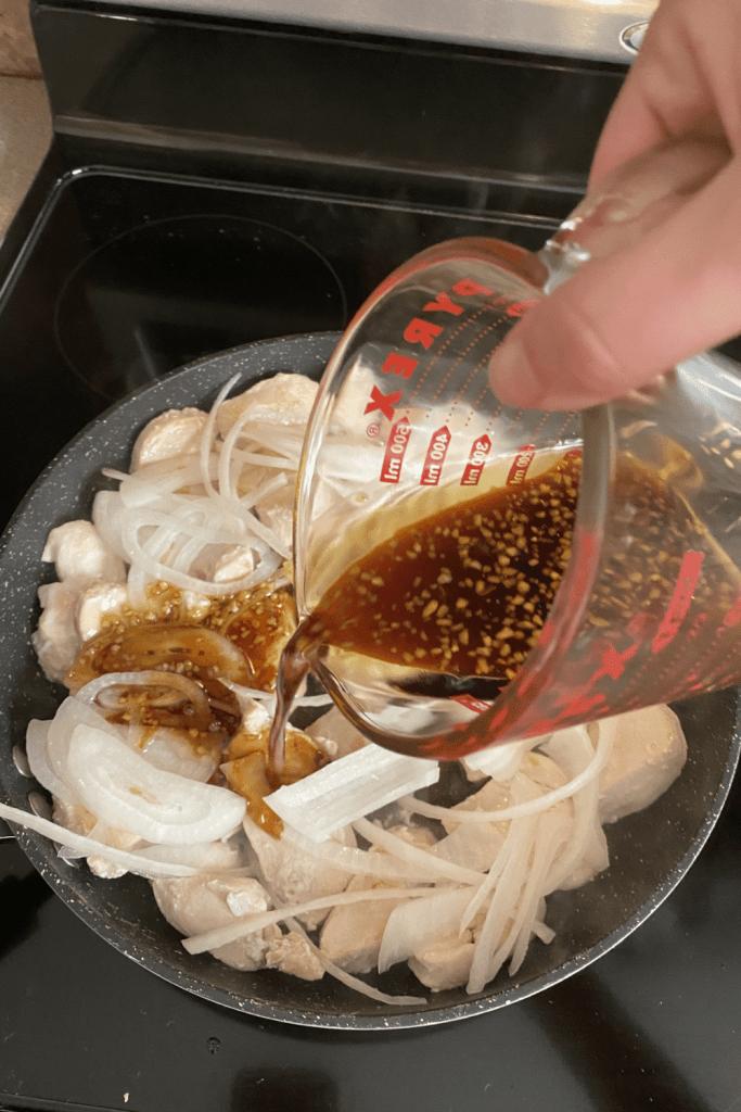 pour sauce over garlic chicken fajitas