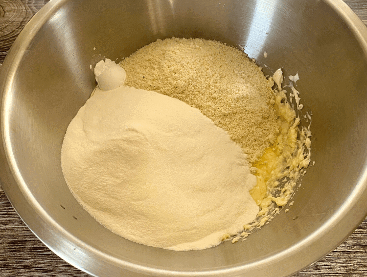 dry ingredients for keto cookies with almond flour recipe